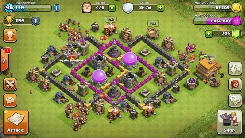 after a month of playing, i'm now upgrading my townhall to 8 & I have 5 builders.